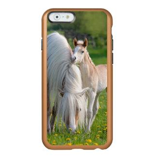 Funda Para iPhone 6 Plus Incipio Feather Shine Potro lindo del bebé de los caballos de Haflinger