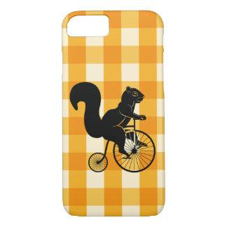 Funda Para iPhone 8/7 Ardilla, Chipmunk que monta una bici del comino