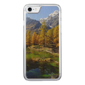 Funda Para iPhone 8/7 De Carved Escena de maderas del lago mountain