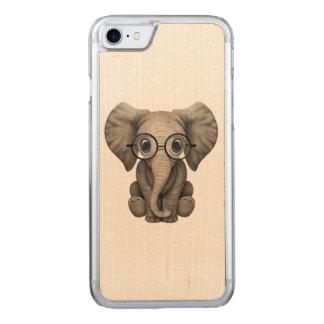 Funda Para iPhone 8/7 De Carved Vidrios que llevan del elefante Nerdy del bebé