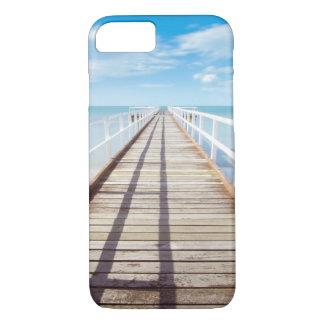 Funda Para iPhone 8/7 Embarcadero blanco en la costa del océano