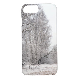 Funda Para iPhone 8/7 Paisaje del bosque del invierno. Árboles cubiertos