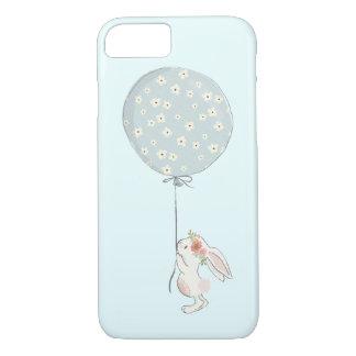 Funda Para iPhone 8/7 Pequeño conejito blanco lindo que sostiene un