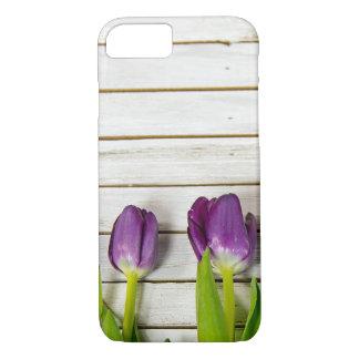Funda Para iPhone 8/7 tulipanes púrpuras en la madera