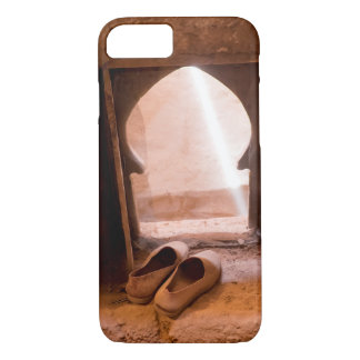 Funda Para iPhone 8/7 Zapatos marroquíes en la ventana