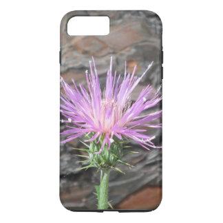Funda Para iPhone 8 Plus/7 Plus Floración del cardo delante del árbol caido