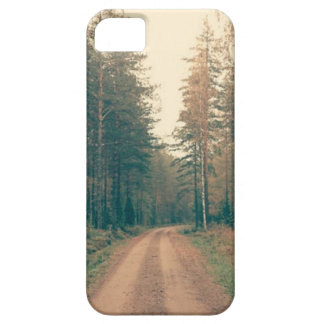 Funda Para iPhone SE/5/5s Camino de tierra de Brown entre los árboles con