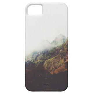 Funda Para iPhone SE/5/5s Montañas brumosas, escena de relajación del