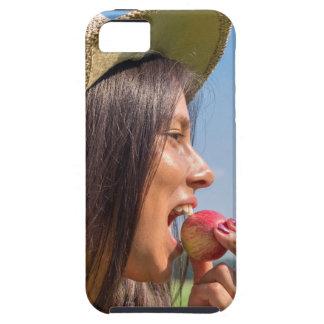 Funda Para iPhone SE/5/5s Mujer con el gorra que come la manzana roja afuera