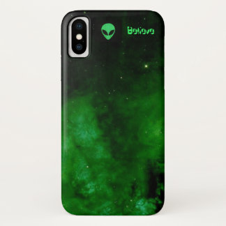 Funda Para iPhone X La nebulosa en el verde extranjero cree