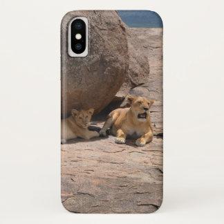 Funda Para iPhone X Leones en una roca