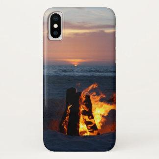 Funda Para iPhone X Puesta del sol de la playa con la hoguera