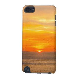 Funda Para iPod Touch 5 Costa de la puesta del sol con Sun anaranjado y
