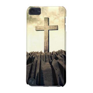 Funda Para iPod Touch 5 Cruz cristiana en la montaña