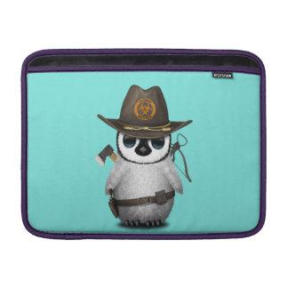 Funda Para MacBook Air Cazador del zombi del pingüino del bebé