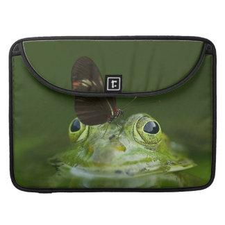 Funda Para MacBook Pro Rana verde y mariposa