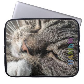 Funda Para Ordenador Gato Snuggling de HAMbWG - mangas del ordenador