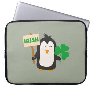 Funda Para Ordenador Pingüino irlandés con el trébol Zjib4