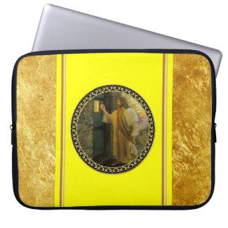 Funda Para Portátil Jesús en su efecto metalizado de oro de la puerta