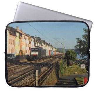 Funda Para Portátil Tren de carga en Lorchhausen a la rin