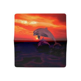 Funda Para Talonario De Cheques Delfínes en la puesta del sol