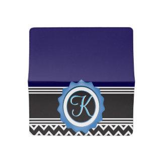 Funda Para Talonario De Cheques Monograma azul del negro del zafiro de Chevron