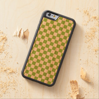 Funda Protectora De Cerezo Para iPhone 6 De Carved Modelo del tablero de damas del verde amarillo
