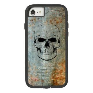Funda Tough Extreme De Case-Mate Para iPhone 8/7 Cráneo entintado sobre Iphone metalizado oxidado