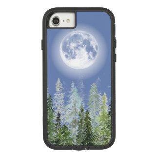 Funda Tough Extreme De Case-Mate Para iPhone 8/7 Luna Llena brillante sobre bosque nórdico del