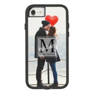 Funda Tough Extreme De Case-Mate Para iPhone 8/7 Marido del monograma de los hombres del recién