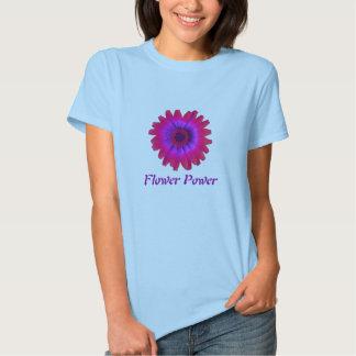 fuschia de la margarita del flower power, flower camisetas