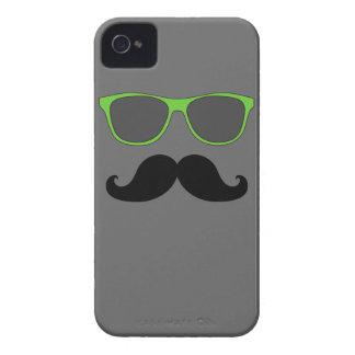 GAFAS DE SOL DIVERTIDAS DEL VERDE DEL BIGOTE FUNDA PARA iPhone 4 DE Case-Mate