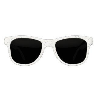 Gafas De Sol Puntos modernos elegantes del confeti del blanco y