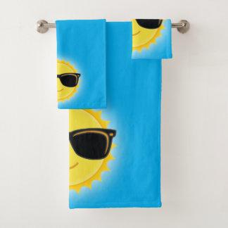Gafas de sol que llevan lindas de Sun