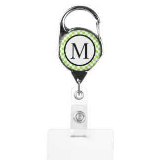 Gafete Monograma simple con el tablero de damas del verde