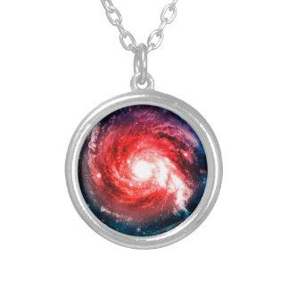 Galaxia espiral collar plateado