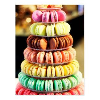 Galletas apiladas arco iris en colores pastel de postal
