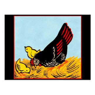 Gallina del vintage e impresión de los polluelos postal