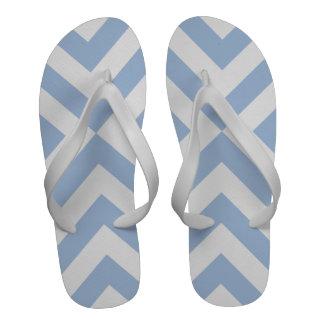 Galones azules claros y blancos chanclas de playa