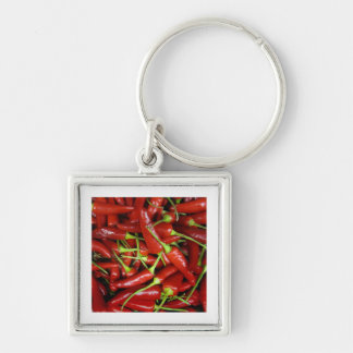 Gama del regalo de las pimientas de chiles rojos llavero cuadrado plateado