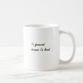 gama favorecida y amada taza básica blanca