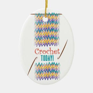 Ganchillo hoy adorno ovalado de cerámica