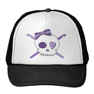 Ganchos del cráneo y de ganchillo (púrpuras) gorros bordados