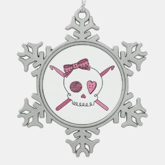 Ganchos del cráneo y de ganchillo rosa adornos