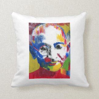 Gandhi hace frente de la almohada de los colores