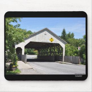 Garganta de Quechee del puente cubierto, Vermont - Alfombrilla De Ratón