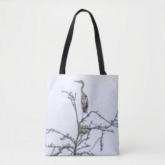 Garza en un árbol impresión-todo-sobre la bolsa de