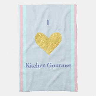 Gastrónomo del Yo-Amor con la toalla de cocina