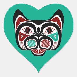 Gatito del noroeste del Haida de la Costa del Pegatina En Forma De Corazón