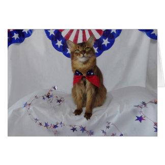 Gatito patriótico para el cuarto de julio tarjeta de felicitación